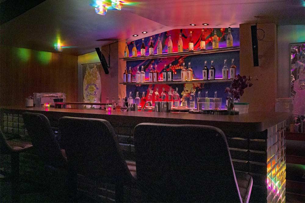 romantic bars singapore junior-pocket-bar
