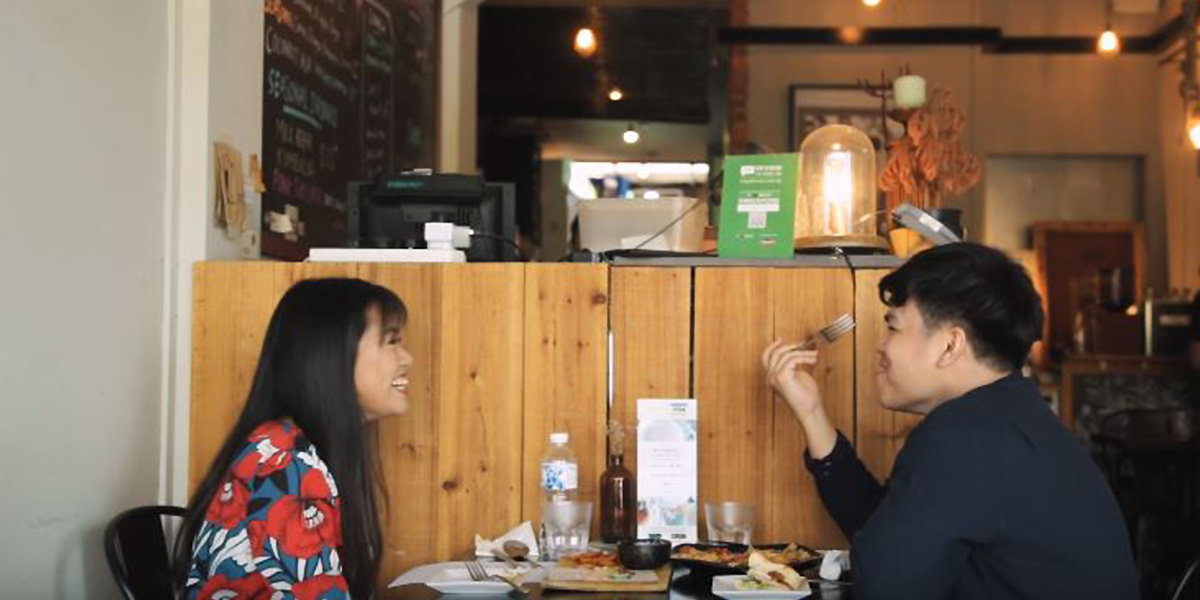 12 Signs A Singaporean Girl Likes You But Is Too Shy To Confess