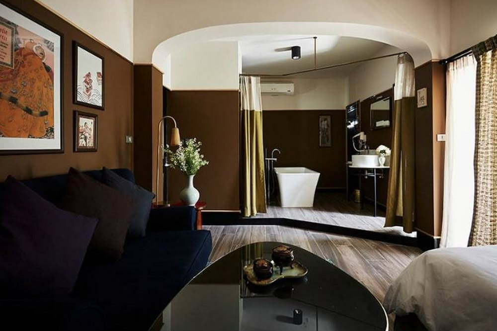 Josh Hotel suite