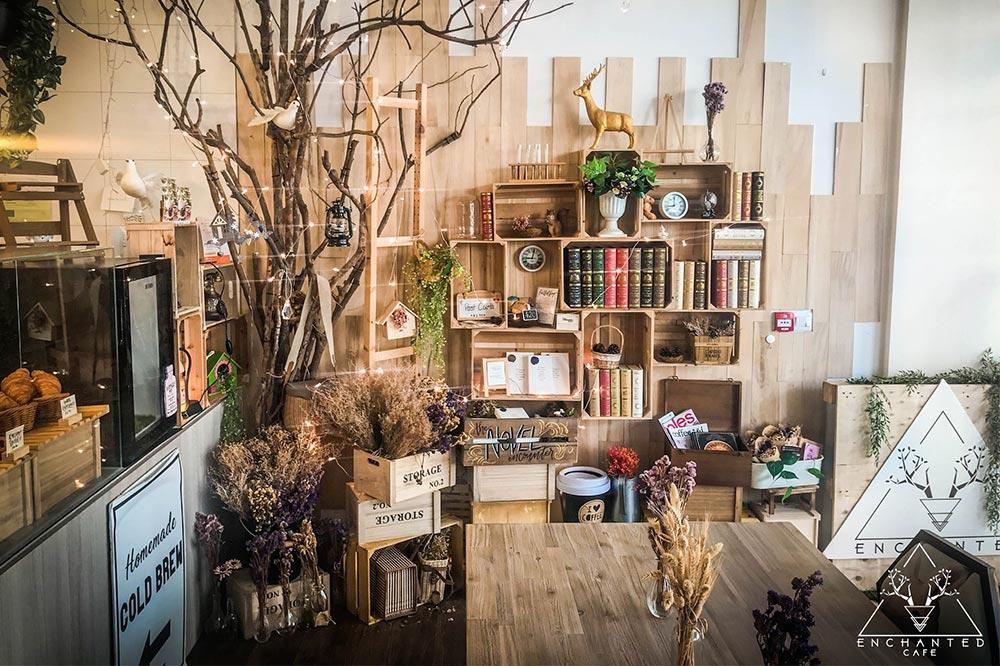 enchanted-cafe