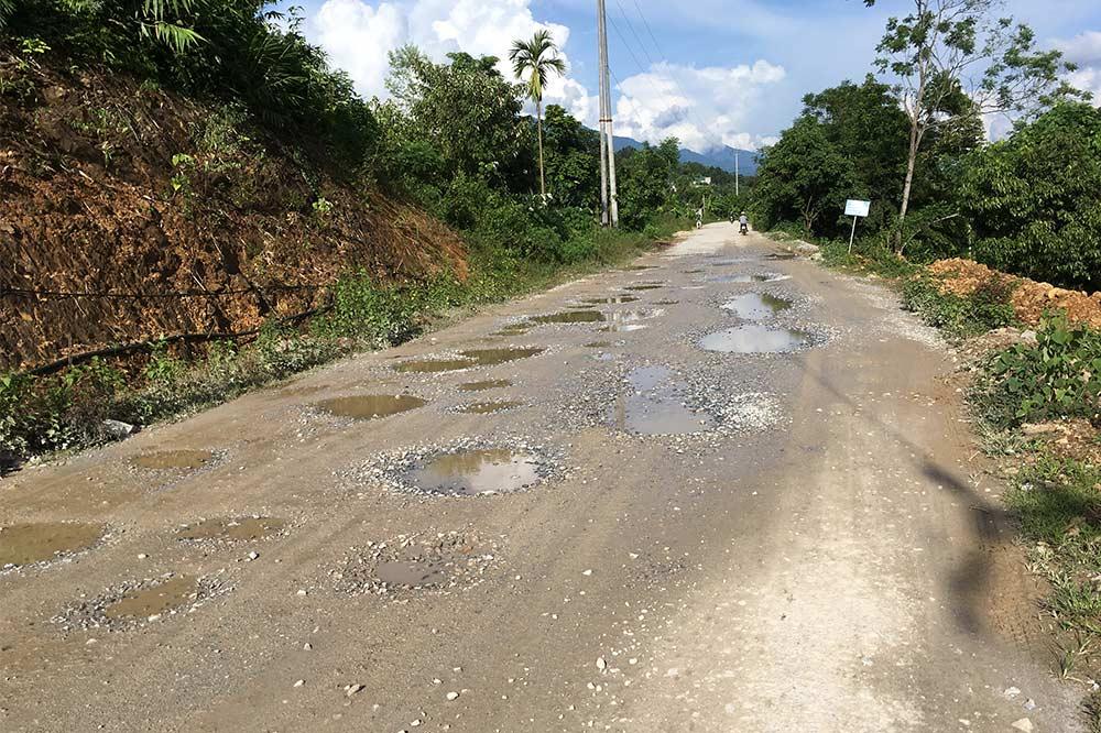potholed-roads