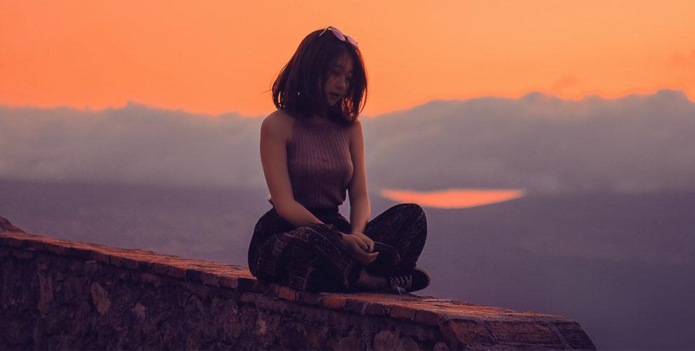 broken heart-aziz-acharki-unsplash
