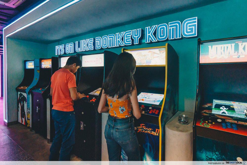 themed-bars-singapore (10)