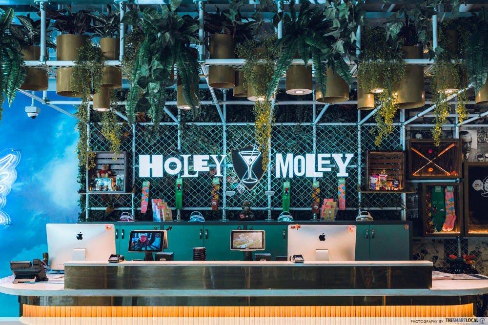 themed-bars-singapore (17)