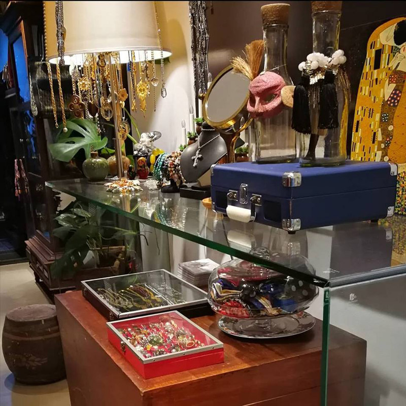 thrift-stores-bangkok (1)