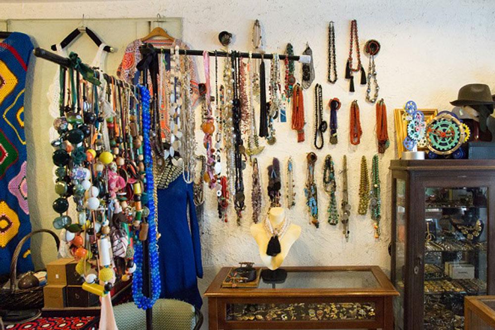 thrift-stores-bangkok (15)