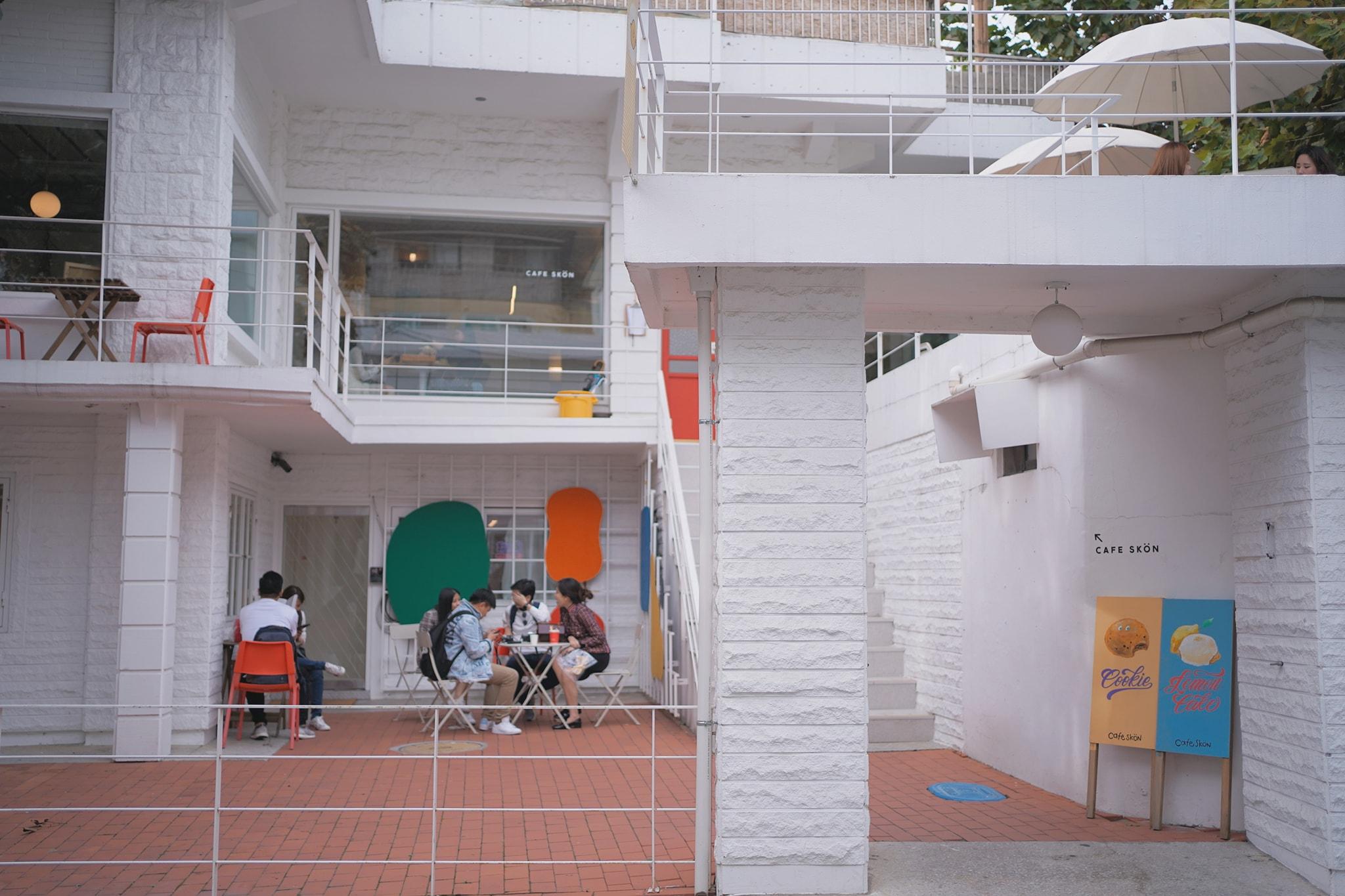 aesthetic cafes seoul cafe skon