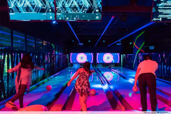 Fun-date-ideas-kbowling