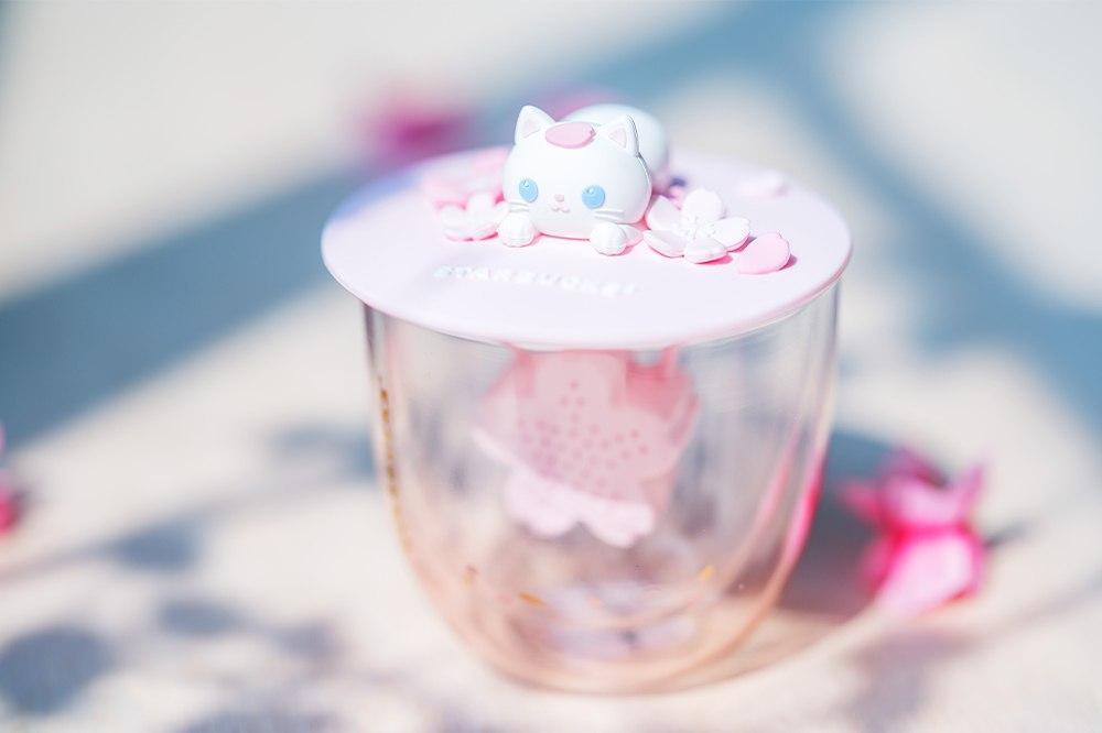 starbucks sakura collection cat lid