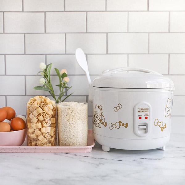 hello-kitty-rice-cooker-lifestyle