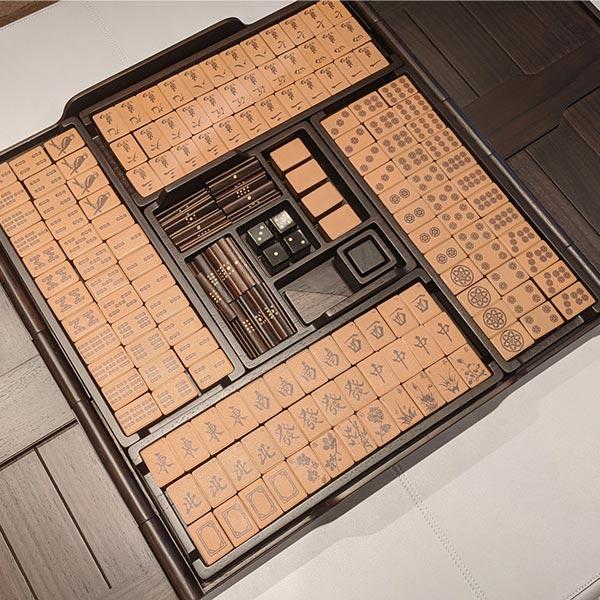 hermes-mahjong-set-zoom