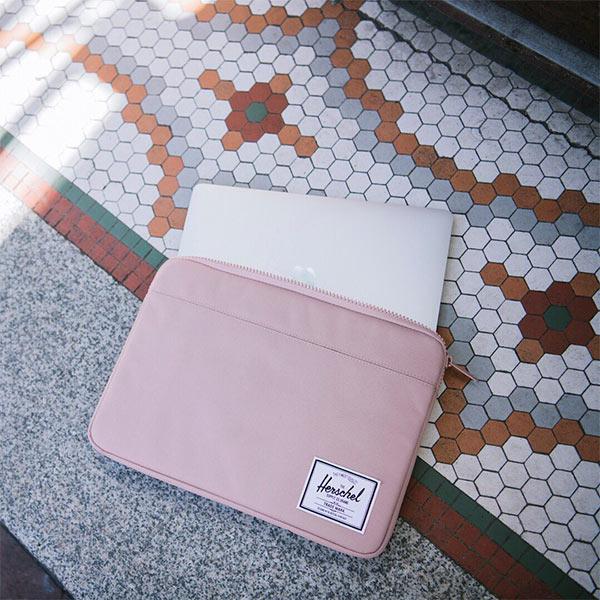 laptop-sleeves-herschel