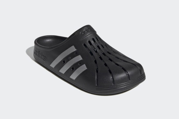 adidas adilette clogs black