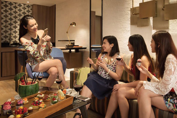 hens night ideas staycation