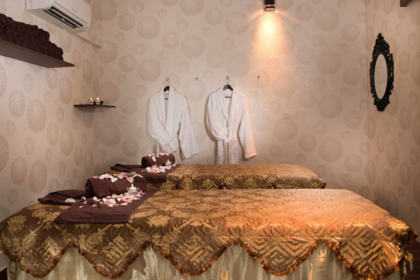 couple-massage-singapore-imperial-spa