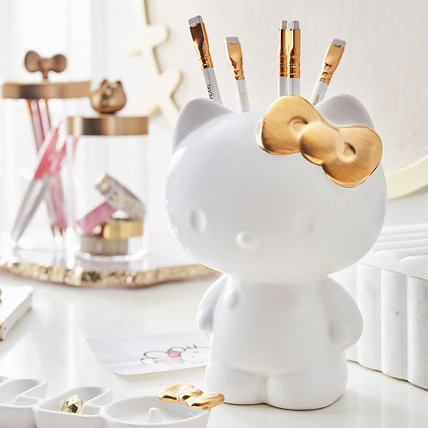 hello-kitty-home-decor-pencil-or-brush-holder