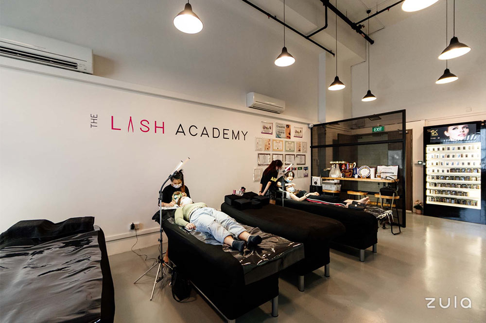 home-based-beauty-business-the-lash-academy