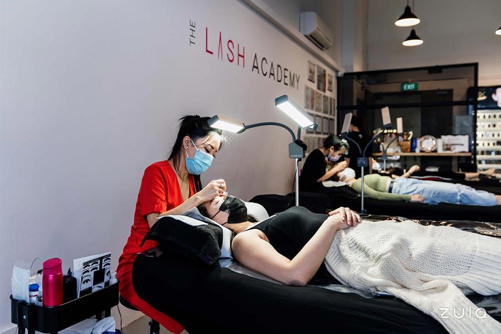 the-lash-academy