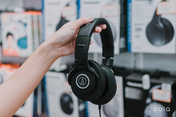 non-basic gift guide headphones