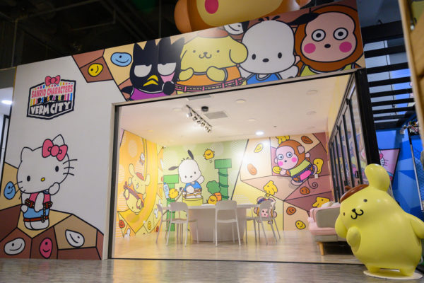 sanrio rock climbing gym dining area