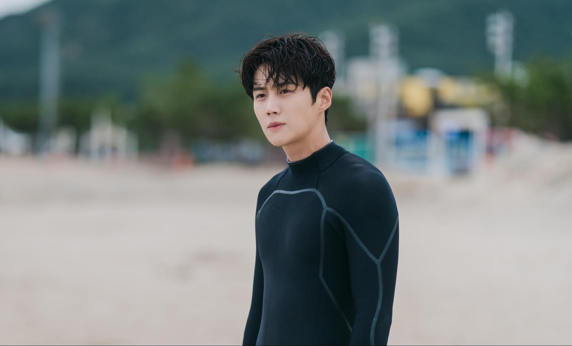 kim seon ho surfing