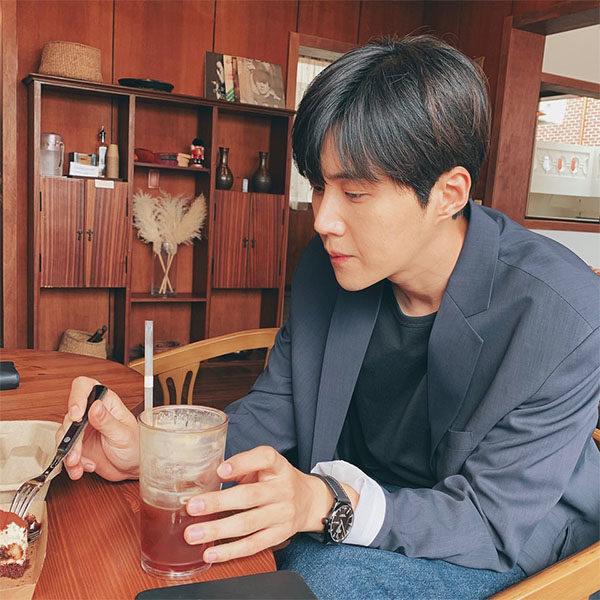 kim seon ho hobbies