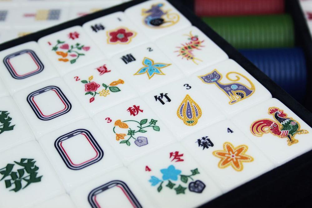 singapore airlines mahjong plane window