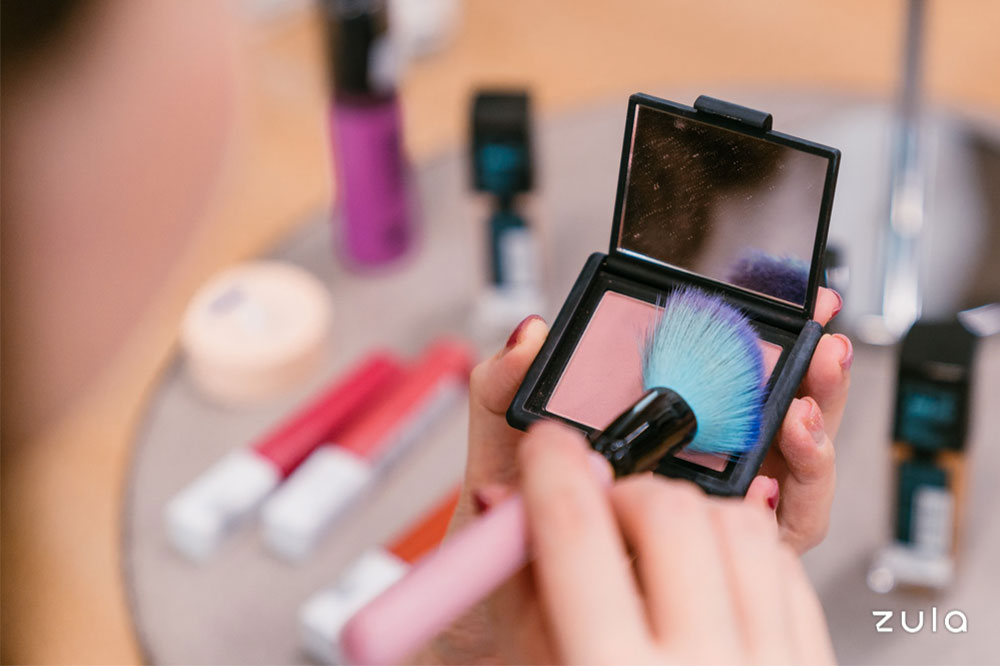 makeup-tips-powder-blush