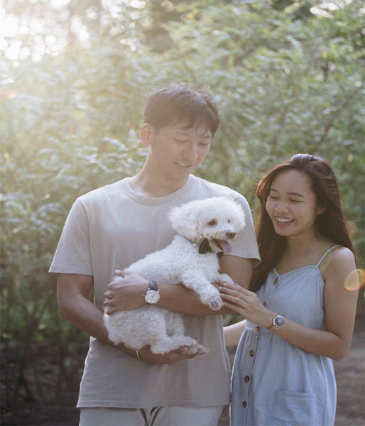 romantic things on a budget deborah and her boyfriend and her dog