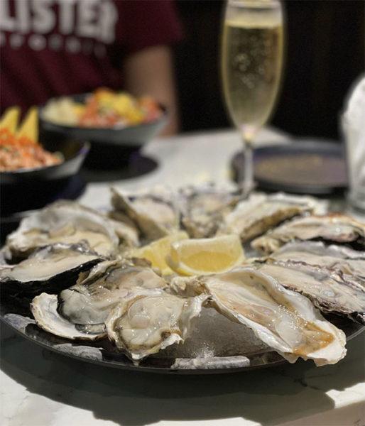 oysters at tanuki raw