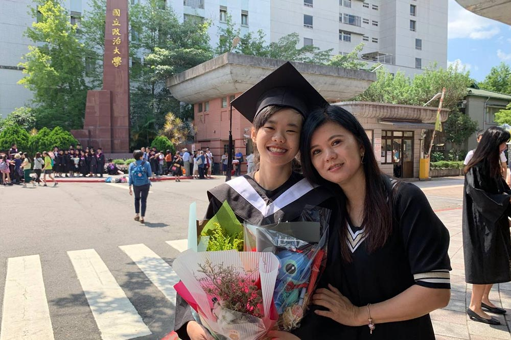 mothers getting old graduation