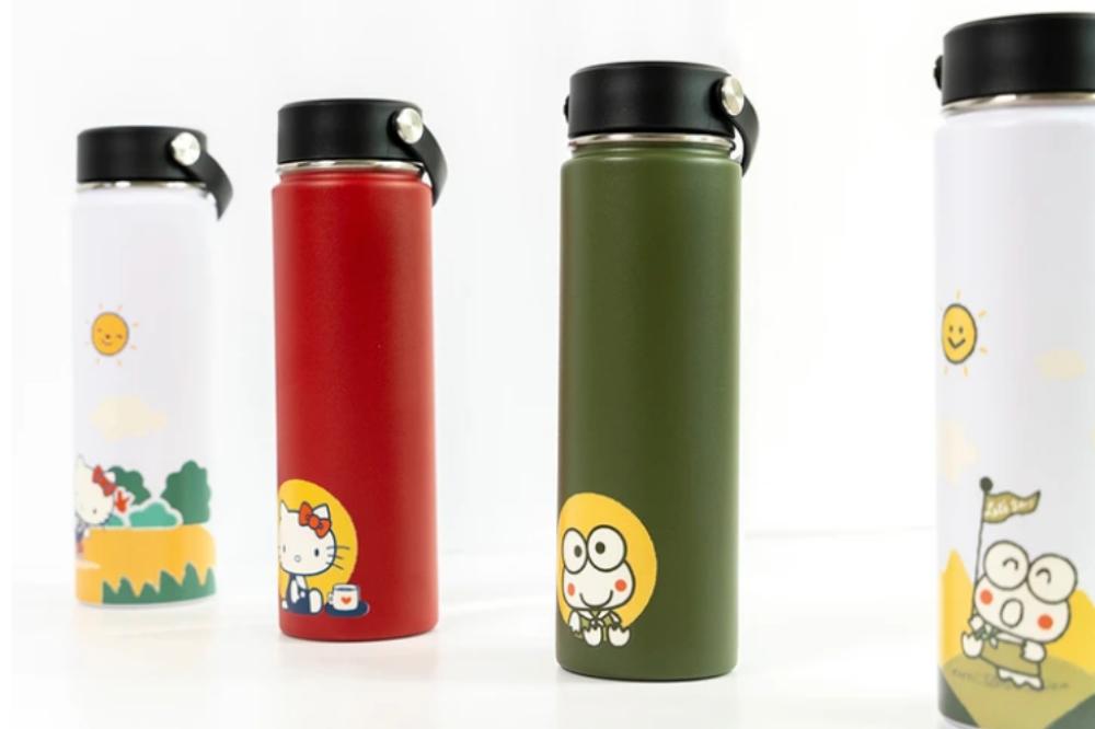 sanrio water bottles