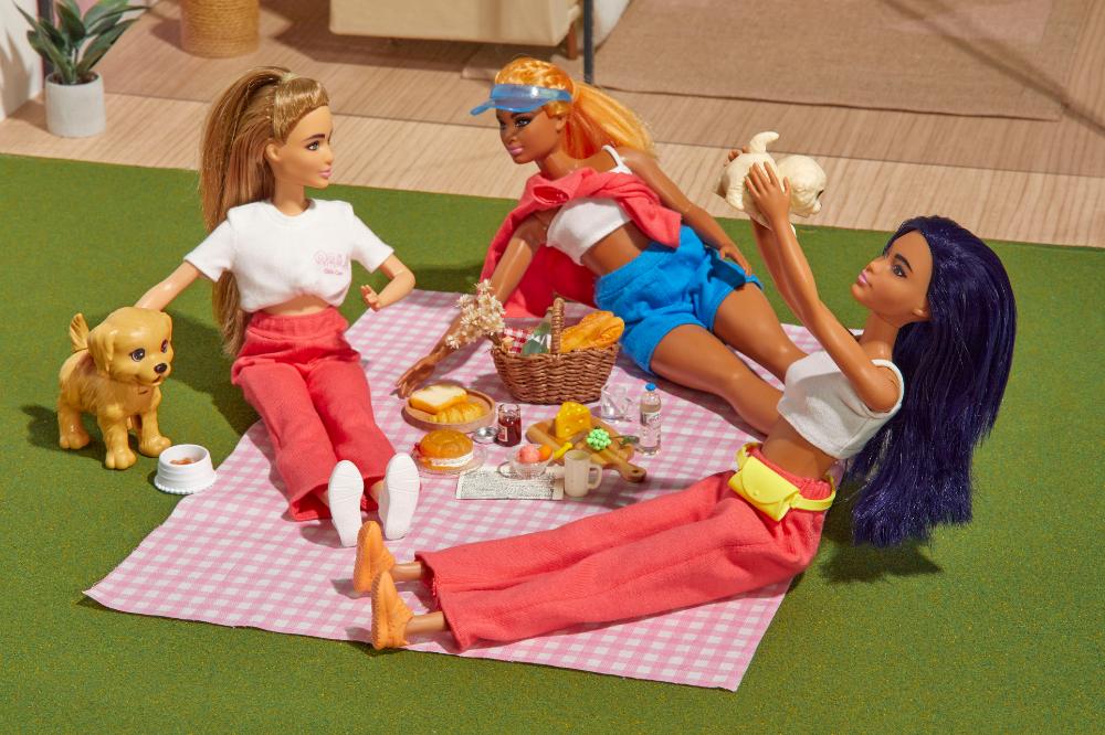 Love, Bonito Barbie Dolls