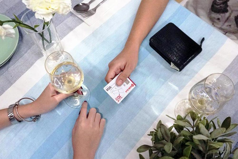 First Date Etiquette Splitting Bill
