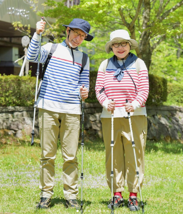 japanese couple outfits - bonpon hiking