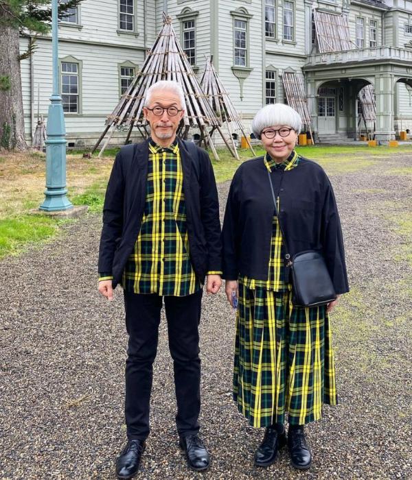japanese couple outfits - bon bon travel outfit